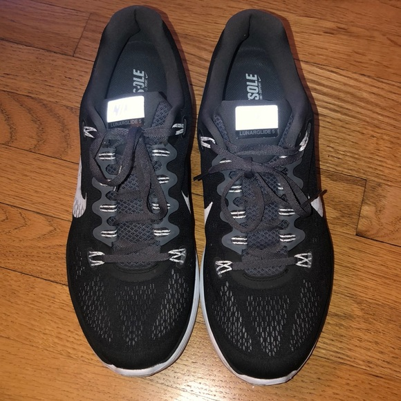Nike Other - Nike men's fit sole gym shoes size 11